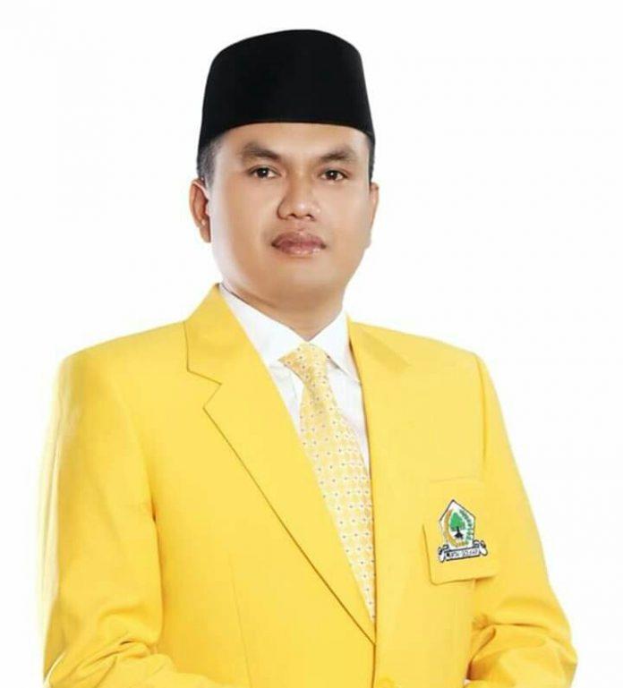 Foto Sekeretaris Partai Golkar Rohul yang juga Ketua Fraksi Golkar di DPRD Rokan Hulu Nono Patria Pratama SE