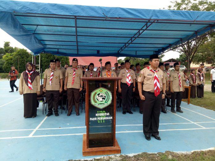 Sekda Rohul, H Abdul Haris pada saat menjadi Pembina Upacara Pembukaan Perkemahan Lima Luhak Penegak dan Pandega se Rohul tahun 2019 di UPP