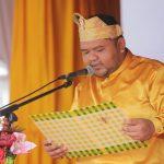 Ketua DPRD Rohul Novliwanda Ade Putra ST membacakan Visi dan Misi Kabupaten Rohul saat pelaksanaan upacara peringatan Hari Jadi ke 20 Kabupaten Rohul