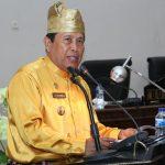 Bupati Rohul H Sukiman memberikan sambutan saat menghadiri rapat paripurna dalam rangka Peringatan Hari Jadi ke 20 Kabupaten Rohul di Gedung DPRD Rohul