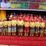 Wakil Gubernur Riau H Edy Natar SIP foto bersama dengan Bupati Rohul H Sukiman, Forkopimda dan Kepala Organisasi Perangkat Daerah (OPD) Rohul