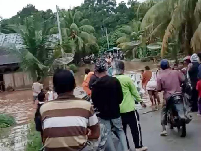 Suasana Banjir di Pawan, Rokan Hulu